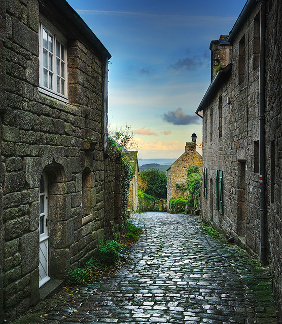On the Way to the Valley | Locronan, Brittany | HDR | davidgiralphoto.com
