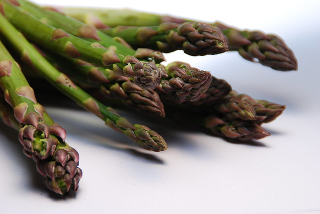 35+ Beautiful Asparagus Recipes to Kick Off the Spring Growing Season- I'm really looking forward to trying some of these!