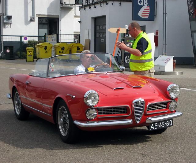 Alfa Romeo 2000 Touring Spider