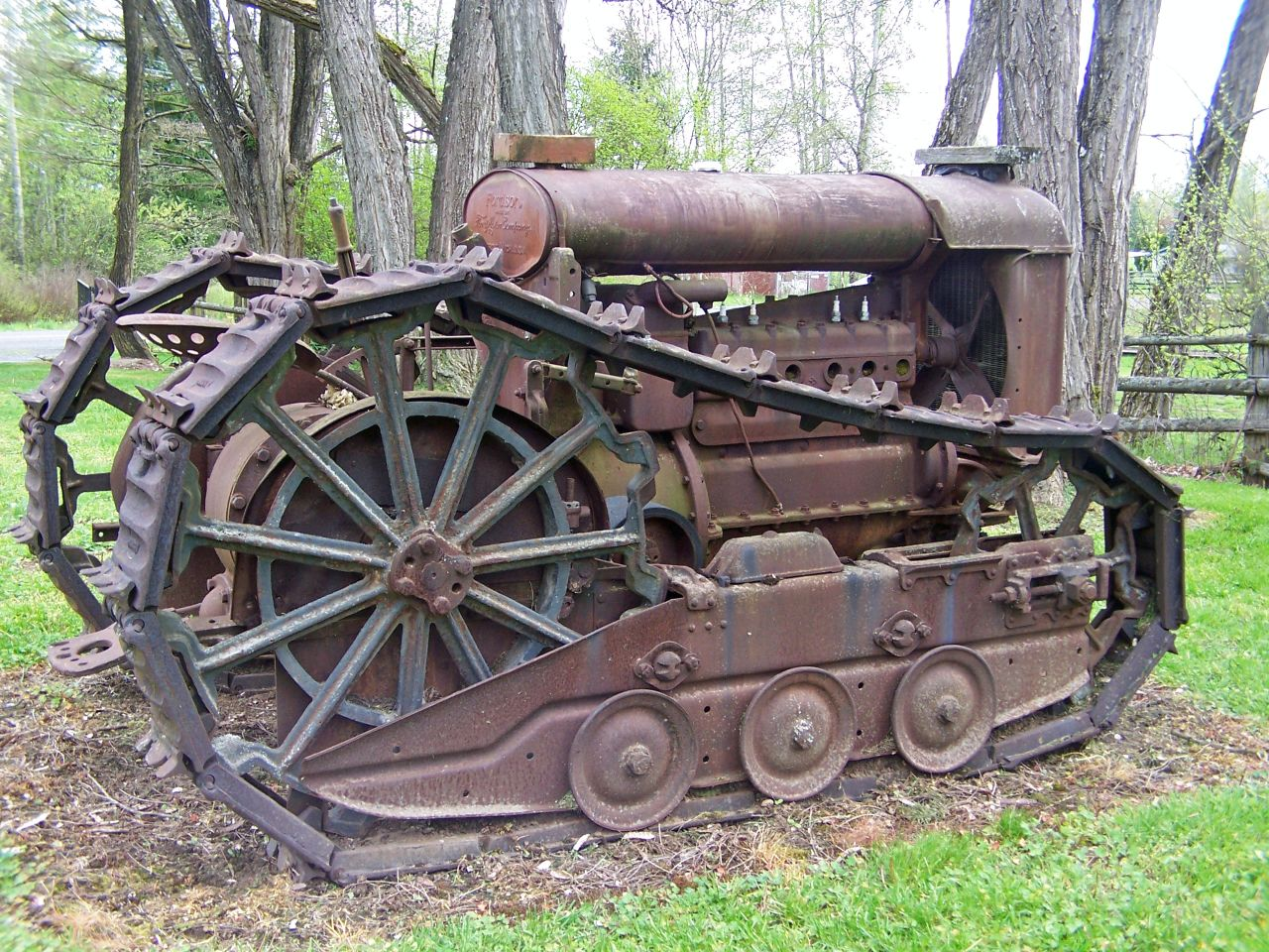 Old Tractor With Tracks : Old massey ferguson deluxe diesel tractor u think my