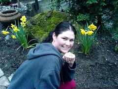rachel the ham and her daffodills   DSC00087