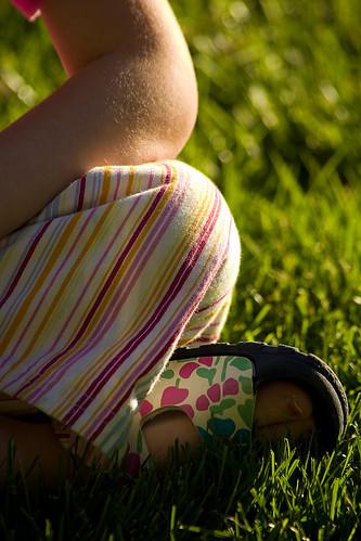 sunset yard toes may elbows knees 2007 birkenstocks birkis sidda