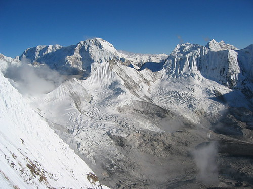 nepal snow mountains expedition climbing himalaya khumbu amadablam