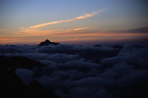 above travel nepal light camp sky cloud sunlight mountain mountains castle clouds sunrise trekking trek canon landscape dawn high asia view altitude peak himalaya rowan eos30 tuli himalayas mera highquality adventuretravel kharka 2nepal0322 lpsurprise tamron28105mmf456if fujiprovia100fslidefilm nepalfinal nikon2nepal0322nosienatural