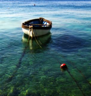 Klenovica blues or Todos los tonos del verde y del azul en un lugar de calma con barquito...