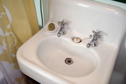 Vintage Sink - Making it Lovely
