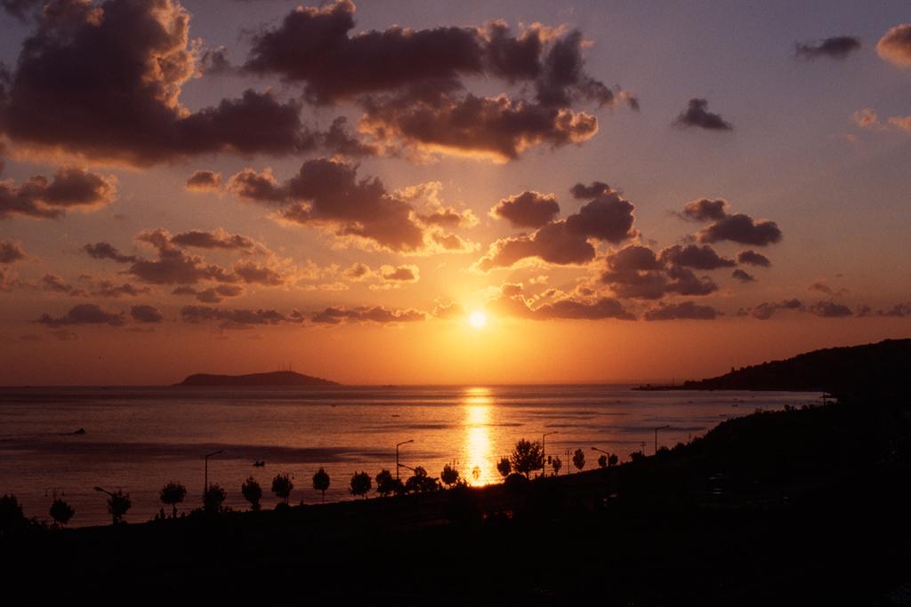 Istanbul_sunset.jpg