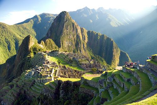 Turistas en Machu Picchu [Tourists in...]