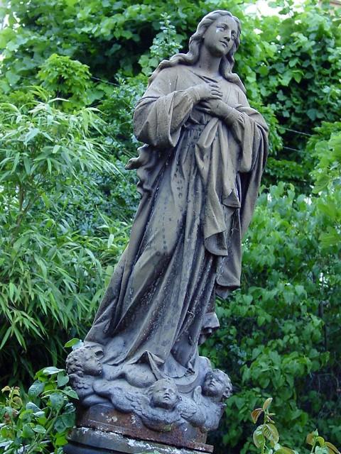 Sculpture dans le jardin flickr photo sharing - Combattre les moustiques dans le jardin ...