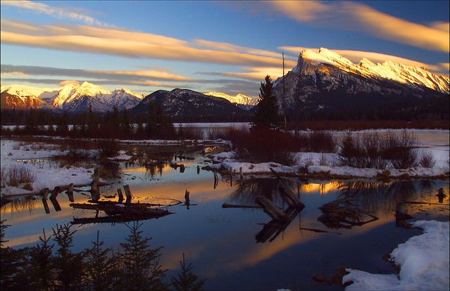 2Sunset Vermilion Lake Banff