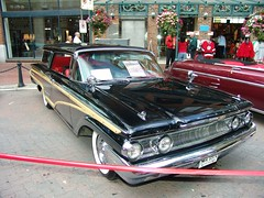 automobile, automotive exterior, vehicle, auto show, full-size car, antique car, sedan, vintage car, ford galaxie, land vehicle, luxury vehicle, muscle car, convertible,