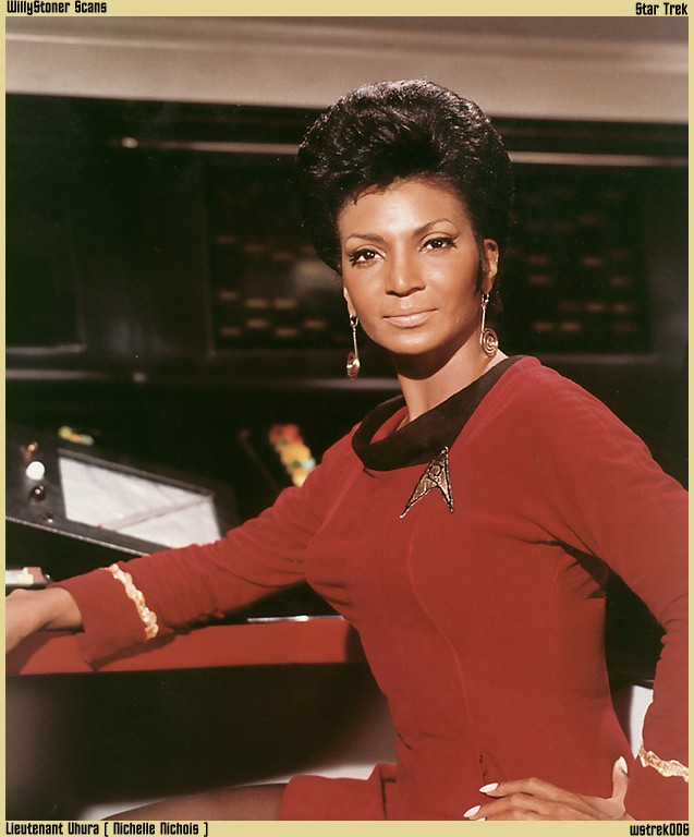Comparative sexualization of Uhura in the new Star Trek series