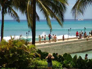 A Swell SWELL as seen from Lulu's of Waikiki