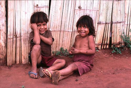 Enfants du peuple guaraní