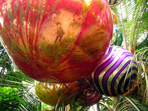 Chihuly-Ball