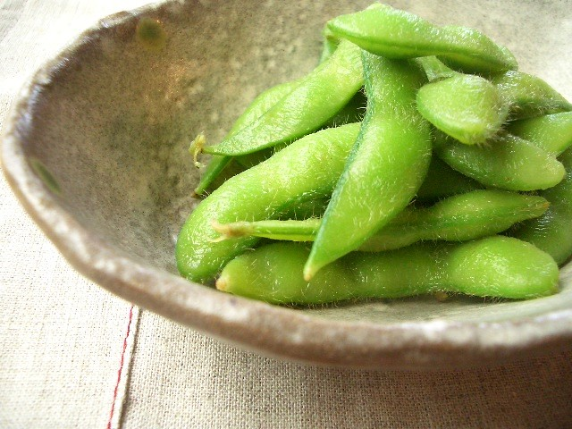 green soybeans / 枝豆