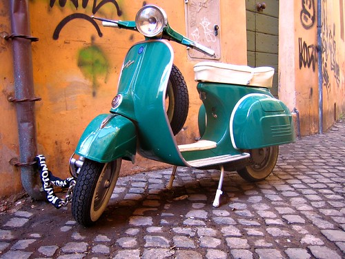 vespa by antmoose