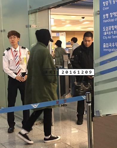 BIGBANG departure Seoul to Fukuoka 2016-12-09 (2)