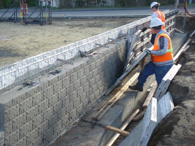 Block concrete form flickr photo sharing for Costo de piletas de hormigon