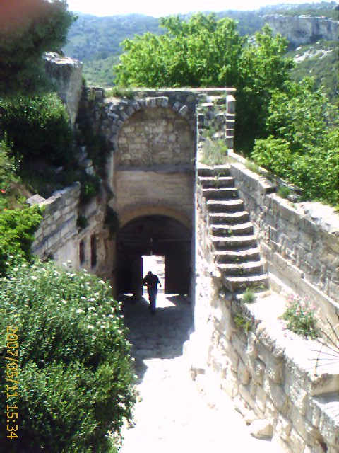 Porte d'Eyguieres Gate, Les Baux