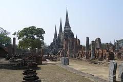 Three pagodas of Wat Phra Si Sanphet (2007-02-032)