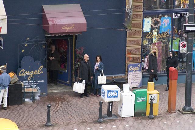 Ben Kingsley and Penélope Cruz Shopping