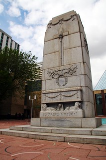 City Hall Cenotaph 的形象. canada edmonton cityhall cenotaph