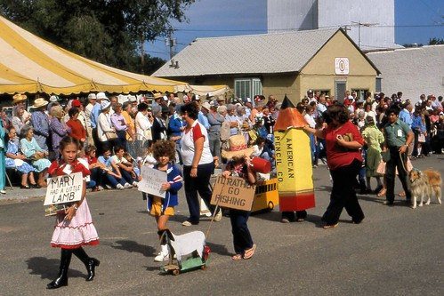 children parade kansas iloveflickr smalltown laborday kismet littleworldsfair