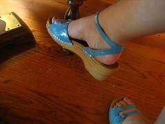 footwear, sandal, limb, leg, foot, blue, toe,