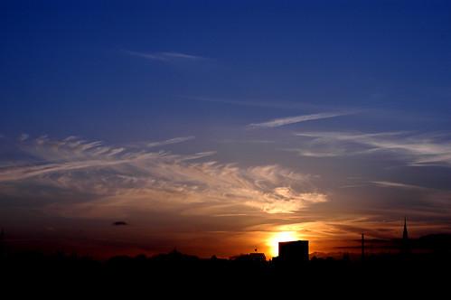 blue red sky sun yellow skyline clouds sunrise sundown hamburg explore guessedhamburg guessedbychbeer ehp28220070408