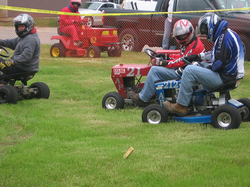 Lawn mower racing, lawnmower races by lnkshaw