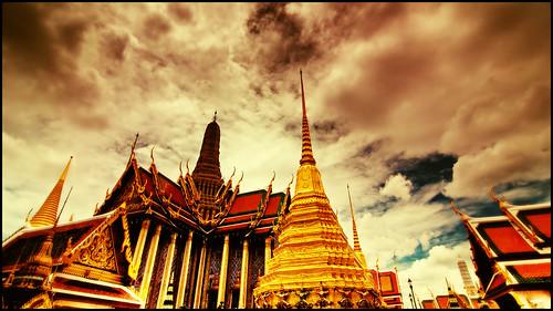 thailand temple nikon bravo searchthebest bangkok tokina grandpalace soe watphrakaew templeoftheemeraldbuddha 16x9 magicdonkey explorefrontpage d80 outstandingshots exploretop10 tokinaatx124afprodx1224mmf4 abigfave haveahappysunday