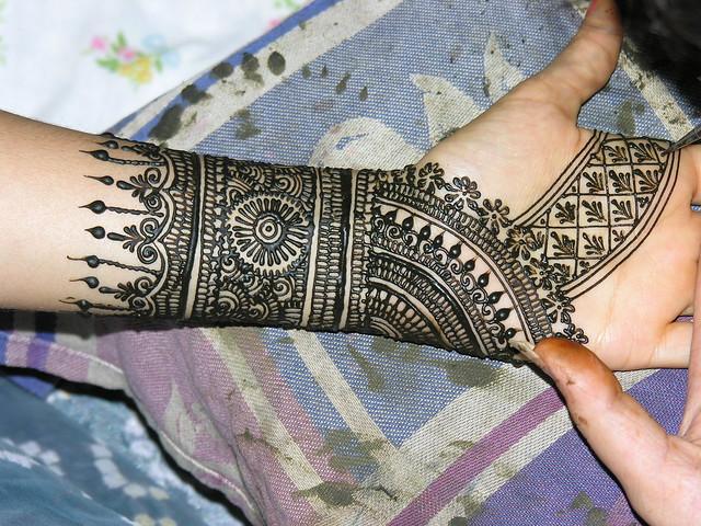 The 25  best Mehndi designs ideas on Pinterest | Henna patterns on ...
