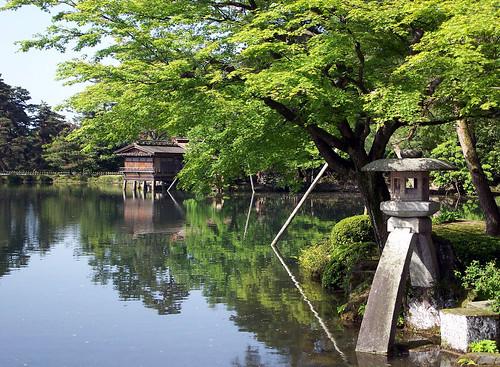 金沢兼六園 (Kenrokuen Garden, Japan)