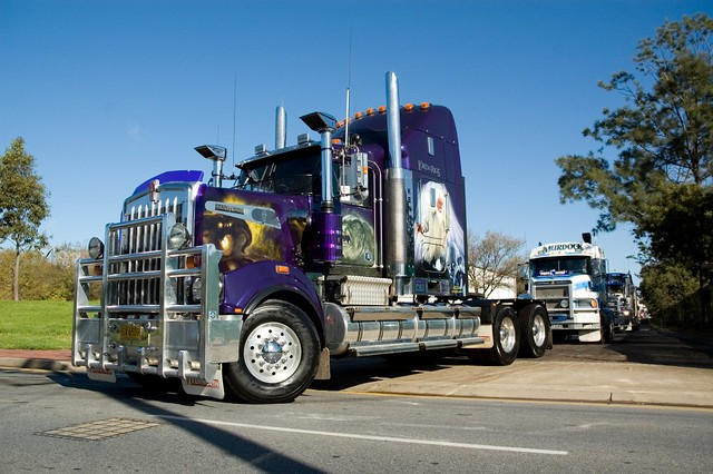 Tricked Out Semi Trucks http://www.flickr.com/photos/rohanphillips/518836430/