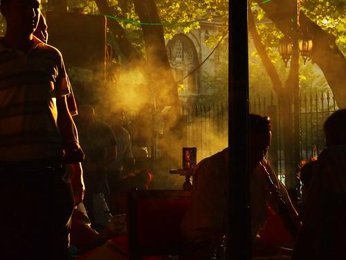 Breathing Istanbul. Deze foto is genomen in Tophane. Dit is een website over reizen naar Istanbul