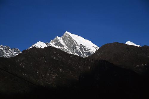 lukla nepal himalaya himalayas mera peak trek climb rowan castle tamron28105mmf456if nepalfinal nikon1nepal0306nosienatural fujiprovia100fslidefilm