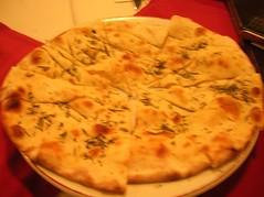 italian food, flatbread, baked goods, food, focaccia, dish, naan, cuisine,
