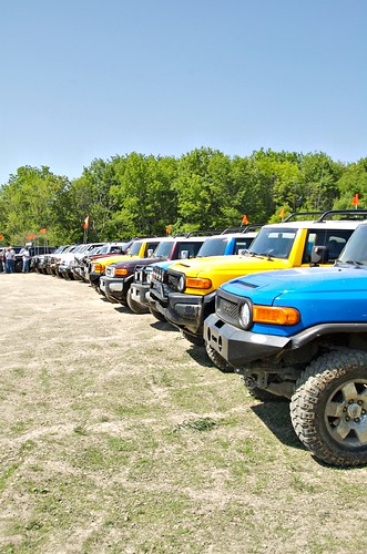 TOYOTA FJ CRUISER TRAIL TEAMS