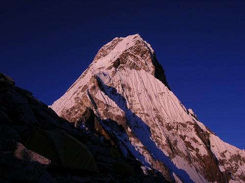 nepal sunset mountains expedition climbing himalaya khumbu amadablam node:id=176 node:id=173