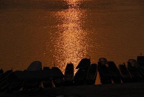 sunrise geotagged thailand boat mekong chiangkong 4309 geo:lat=202758333333333 geo:lon=100406166666667