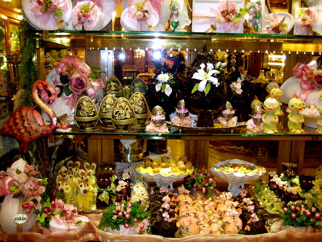 Floral confectionary
