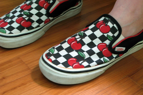 cad2e7ded06 Cherry checkered Vans