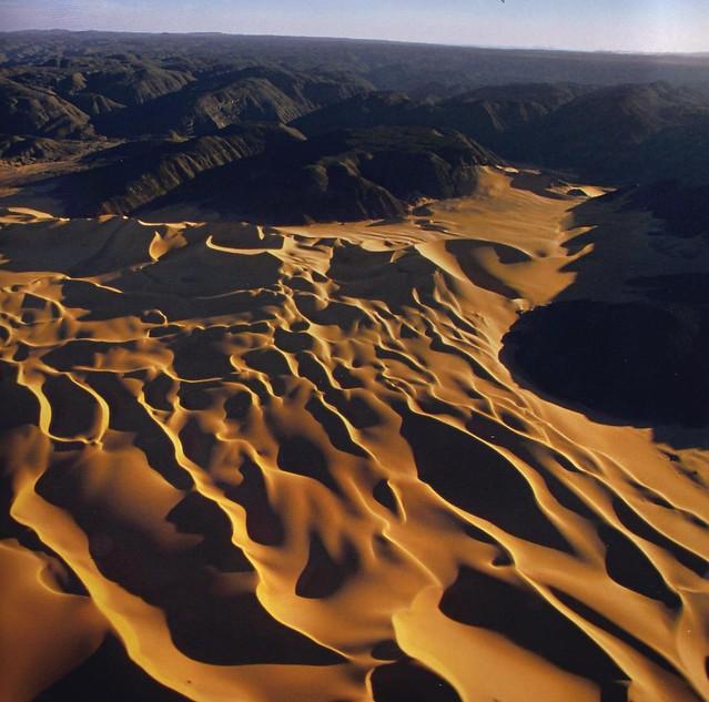 Human interaction in the sahara desert