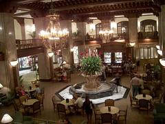 meal(0.0), function hall(0.0), palace(0.0), restaurant(1.0), interior design(1.0), bar(1.0), tavern(1.0),