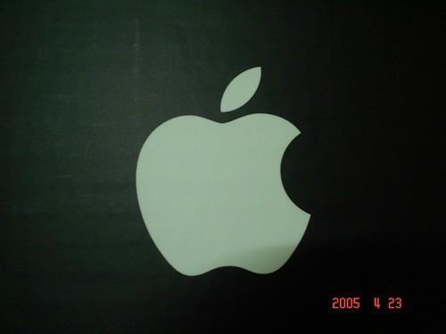 純淨潔白的Apple