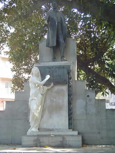 Monumento a Antoni Maura