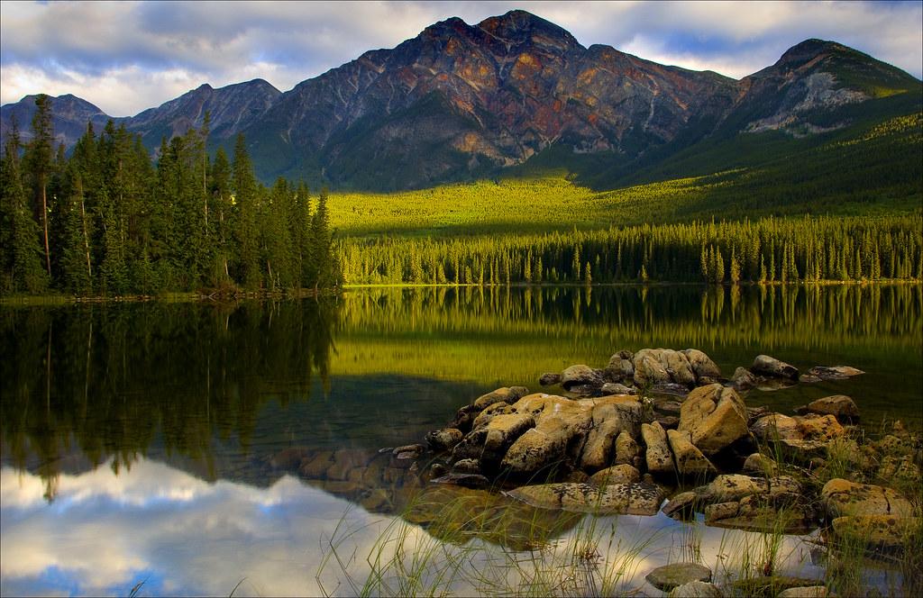 Pyramid lake and Mountain Jasper
