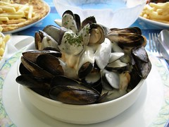 escargot(0.0), clam(1.0), molluscs(1.0), oyster(1.0), seafood(1.0), food(1.0), dish(1.0), cuisine(1.0), clams, oysters, mussels and scallops(1.0), mussel(1.0),