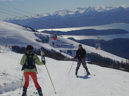 Sci estivo:Viste del Lago Nahuel Huapi in Cerro Catedral, Argentina